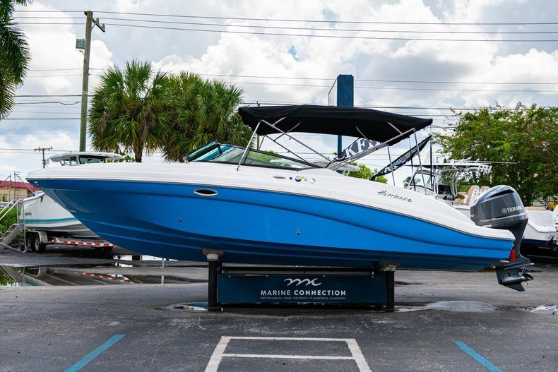 Thumbnail 4 for New 2019 Hurricane SD 2690 OB boat for sale in West Palm Beach, FL