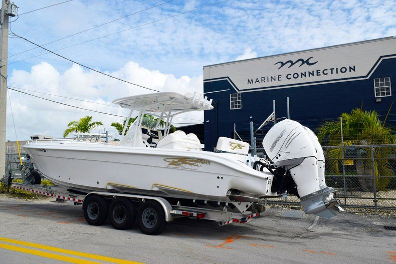 Thumbnail 6 for Used 2018 Glasstream 328 boat for sale in Miami, FL