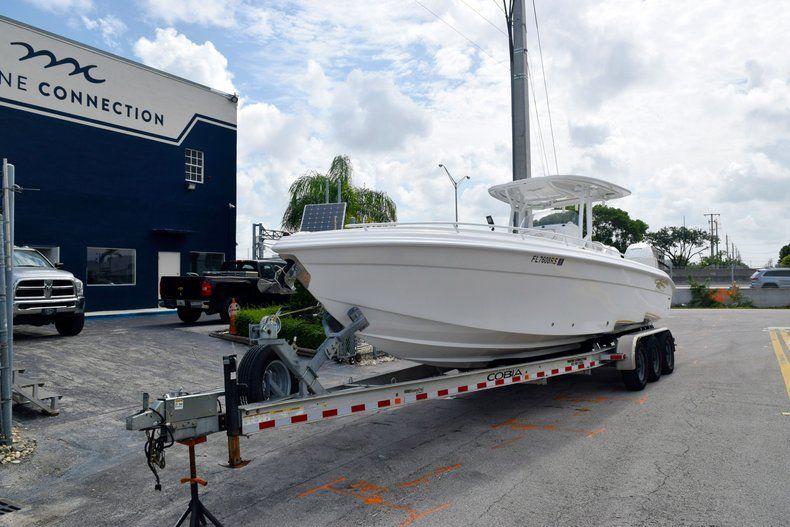 Thumbnail 8 for Used 2018 Glasstream 328 boat for sale in Miami, FL