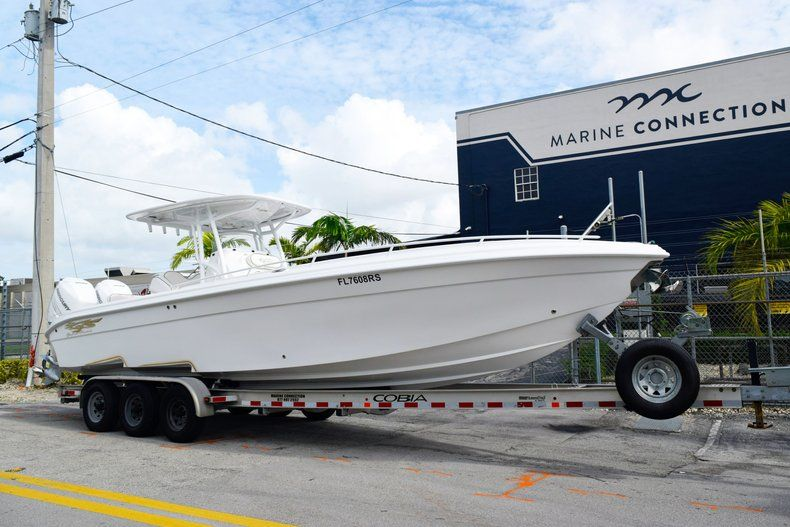 Thumbnail 1 for Used 2018 Glasstream 328 boat for sale in Miami, FL