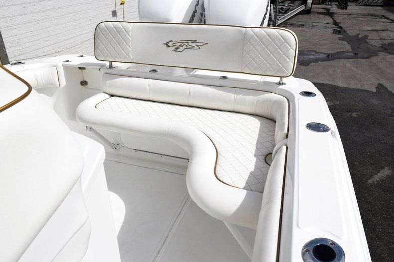 Thumbnail 13 for Used 2018 Glasstream 328 boat for sale in Miami, FL