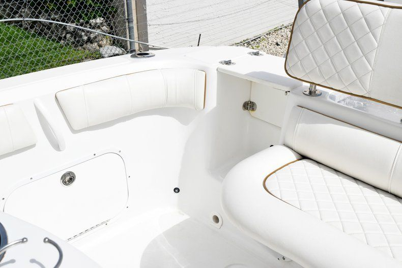 Thumbnail 14 for Used 2018 Glasstream 328 boat for sale in Miami, FL