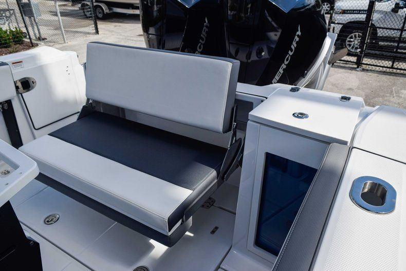 Thumbnail 11 for New 2019 Blackfin 272CC Center Console boat for sale in Fort Lauderdale, FL