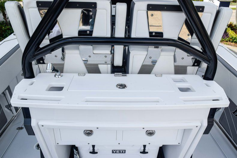 Thumbnail 25 for New 2019 Blackfin 272CC Center Console boat for sale in Fort Lauderdale, FL
