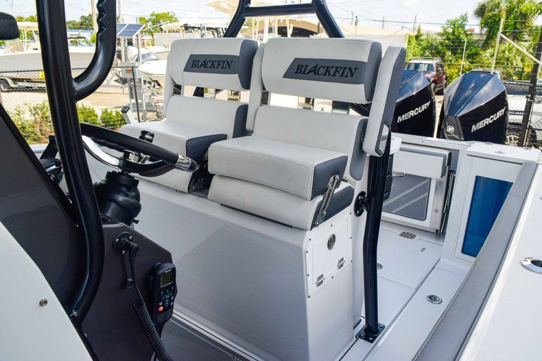 Thumbnail 33 for New 2019 Blackfin 272CC Center Console boat for sale in Fort Lauderdale, FL