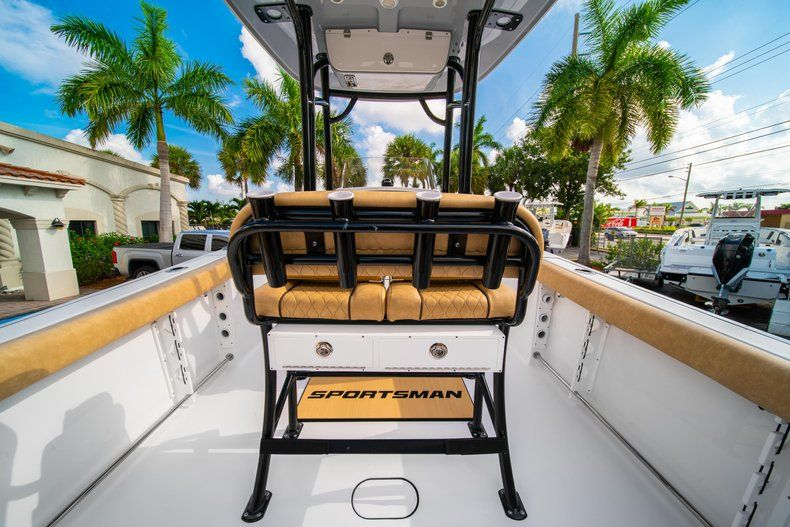 Thumbnail 14 for New 2020 Sportsman Heritage 231 Center Console boat for sale in West Palm Beach, FL