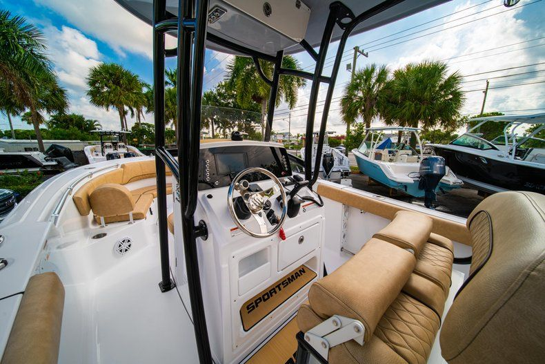 Thumbnail 21 for New 2020 Sportsman Heritage 231 Center Console boat for sale in West Palm Beach, FL
