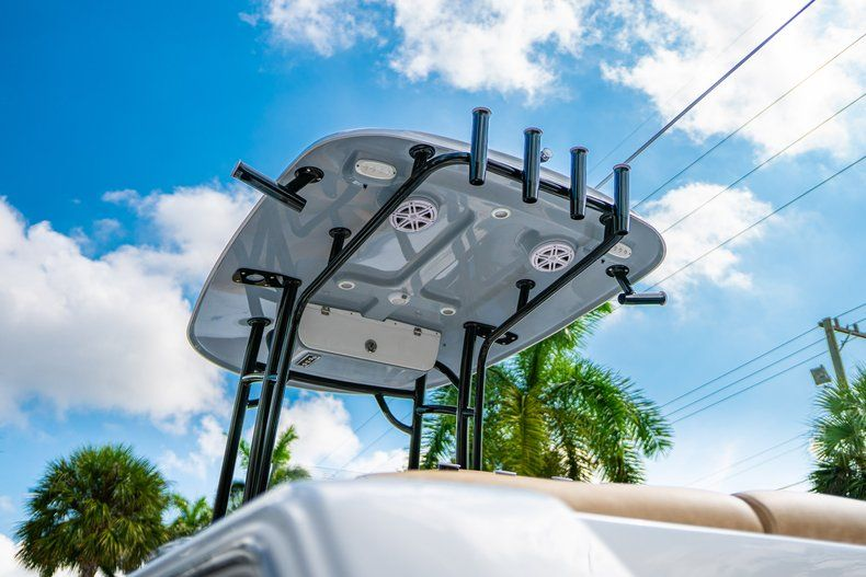 Thumbnail 8 for New 2020 Sportsman Heritage 231 Center Console boat for sale in West Palm Beach, FL