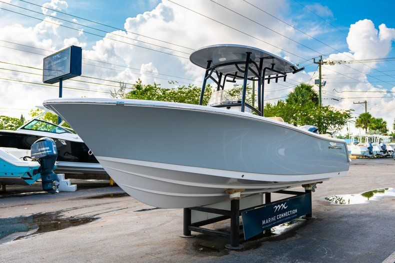 Thumbnail 3 for New 2020 Sportsman Heritage 231 Center Console boat for sale in West Palm Beach, FL