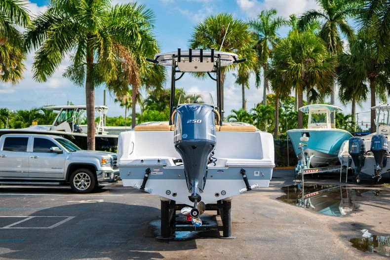 Thumbnail 6 for New 2020 Sportsman Heritage 231 Center Console boat for sale in West Palm Beach, FL