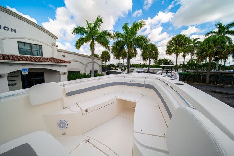 Thumbnail 33 for New 2019 Cobia 280 Center Console boat for sale in West Palm Beach, FL