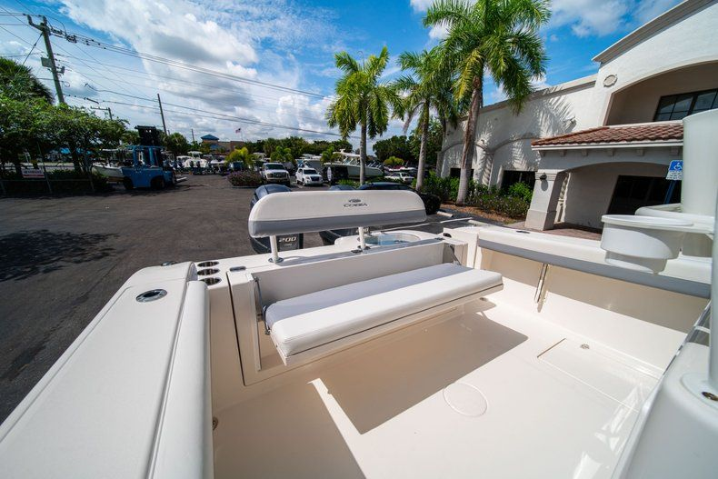 Thumbnail 16 for New 2019 Cobia 280 Center Console boat for sale in West Palm Beach, FL