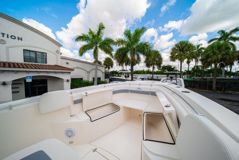 Thumbnail 34 for New 2019 Cobia 280 Center Console boat for sale in West Palm Beach, FL