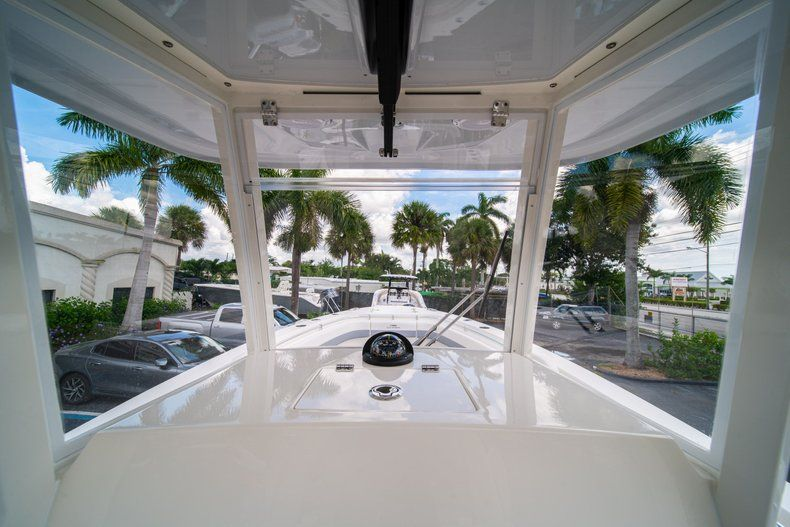 Thumbnail 29 for New 2019 Cobia 280 Center Console boat for sale in West Palm Beach, FL