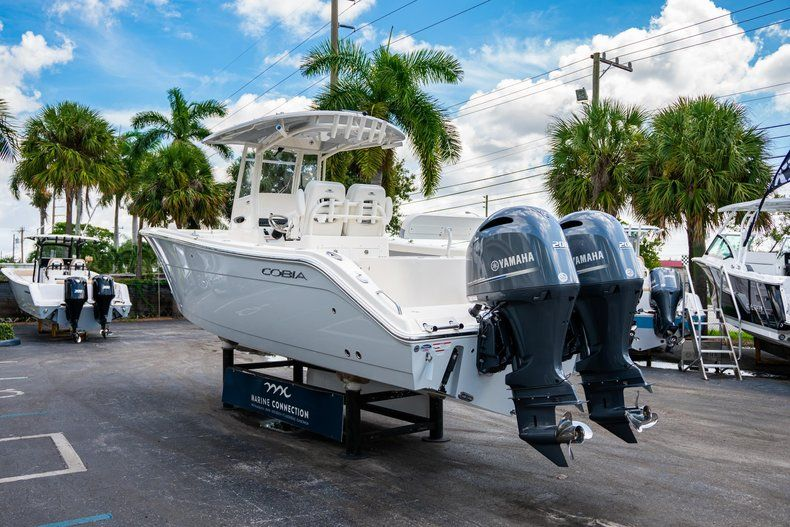 Thumbnail 5 for New 2019 Cobia 280 Center Console boat for sale in West Palm Beach, FL