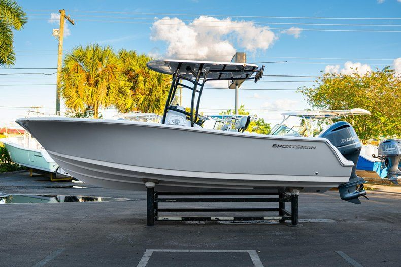 Image 4 for 2020 Sportsman Open 232 Center Console in West Palm Beach, FL