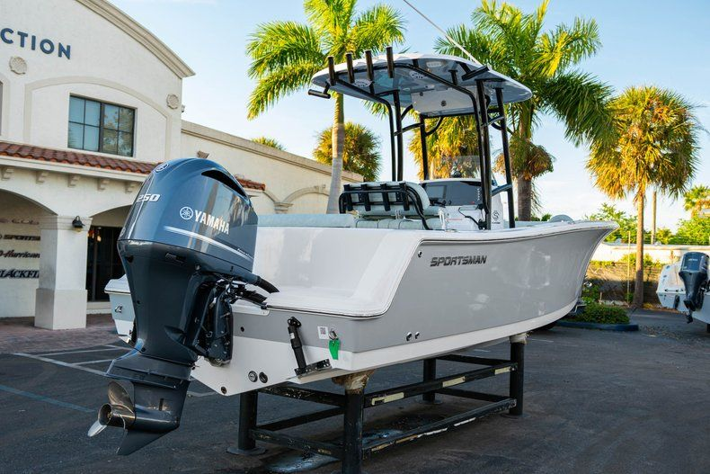 Image 7 for 2020 Sportsman Open 232 Center Console in West Palm Beach, FL