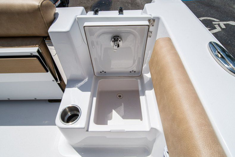 Thumbnail 16 for New 2020 Sportsman Open 212 Center Console boat for sale in West Palm Beach, FL