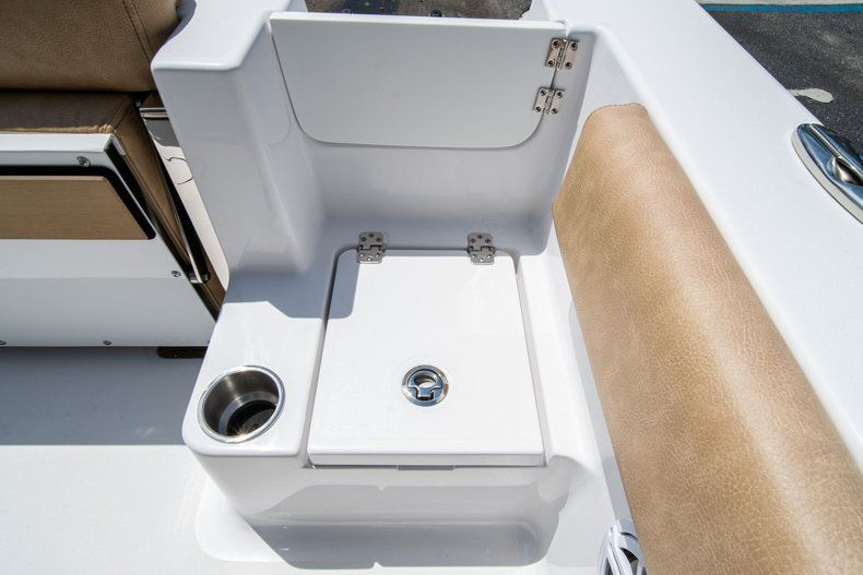 Thumbnail 15 for New 2020 Sportsman Open 212 Center Console boat for sale in West Palm Beach, FL