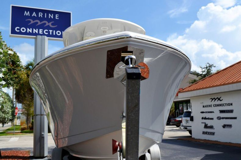 Thumbnail 2 for New 2020 Cobia 280 CC Center Console boat for sale in Vero Beach, FL
