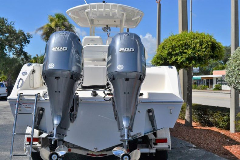 Thumbnail 5 for New 2020 Cobia 280 CC Center Console boat for sale in Vero Beach, FL