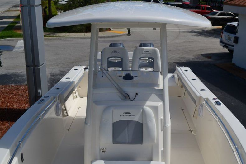 Thumbnail 16 for New 2020 Cobia 280 CC Center Console boat for sale in Vero Beach, FL