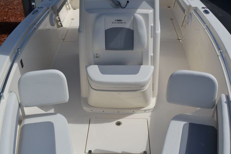 Thumbnail 15 for New 2020 Cobia 280 CC Center Console boat for sale in Vero Beach, FL