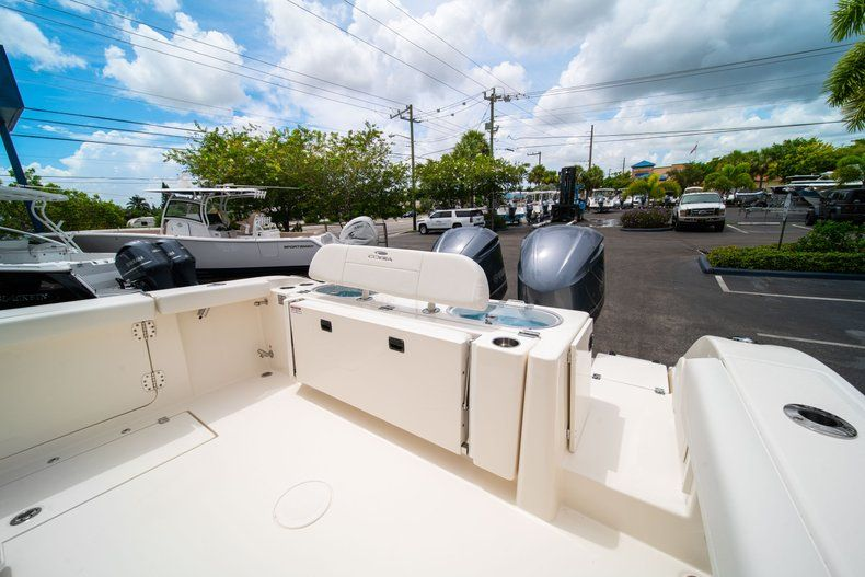 Thumbnail 11 for New 2019 Cobia 301 CC Center Console boat for sale in Islamorada, FL