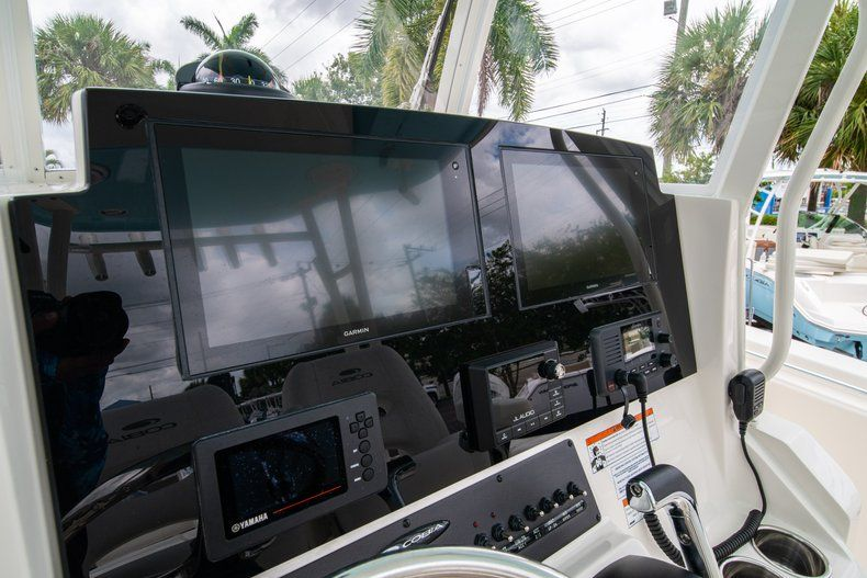 Thumbnail 28 for New 2019 Cobia 301 CC Center Console boat for sale in Islamorada, FL