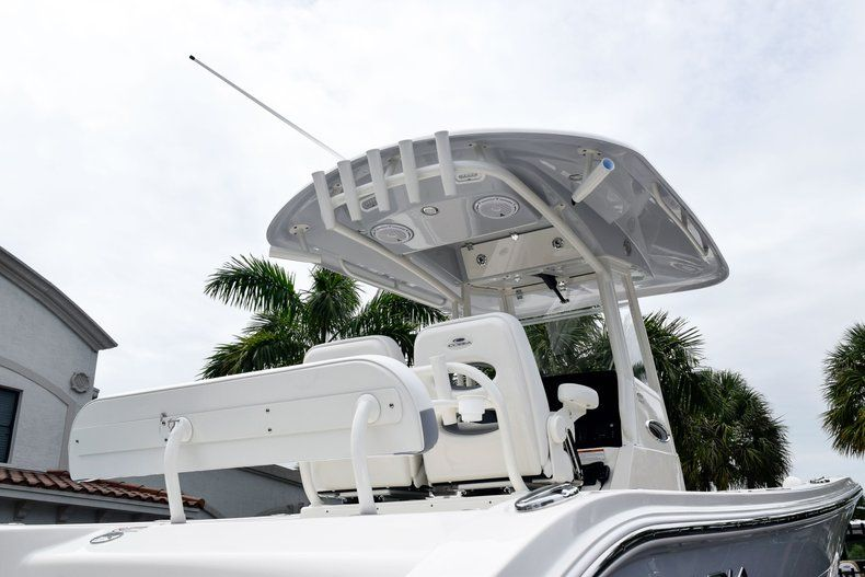 Thumbnail 8 for New 2019 Cobia 262 Center Console boat for sale in Fort Lauderdale, FL
