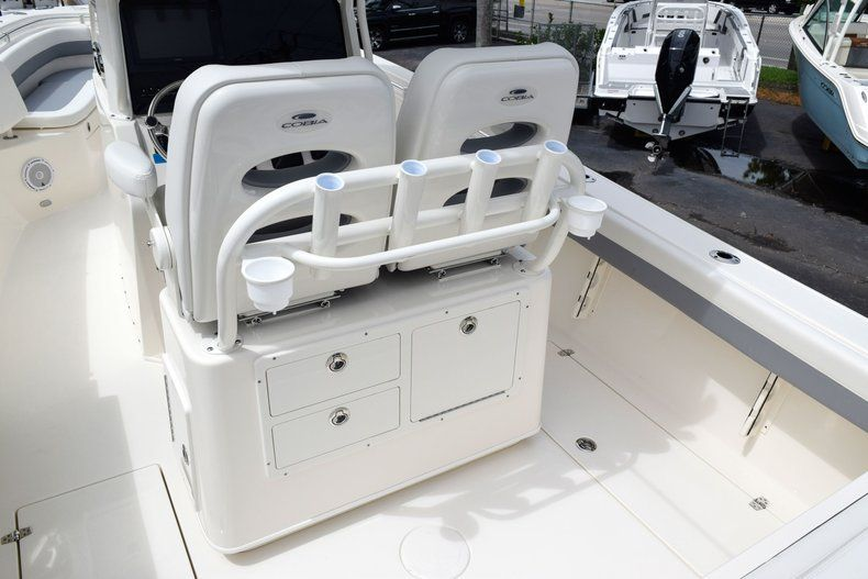 Thumbnail 22 for New 2019 Cobia 262 Center Console boat for sale in Fort Lauderdale, FL