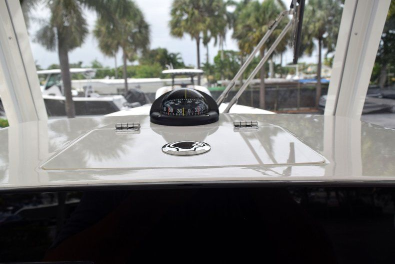 Thumbnail 51 for New 2019 Cobia 262 Center Console boat for sale in Fort Lauderdale, FL