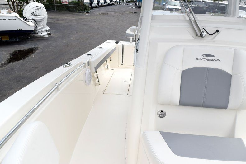 Thumbnail 89 for New 2019 Cobia 262 Center Console boat for sale in Fort Lauderdale, FL