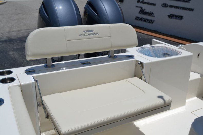 Thumbnail 21 for New 2019 Cobia 240 CC Center Console boat for sale in Vero Beach, FL