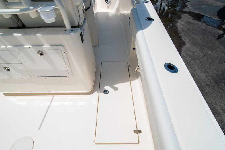 Thumbnail 18 for New 2020 Cobia 280 CC Center Console boat for sale in West Palm Beach, FL
