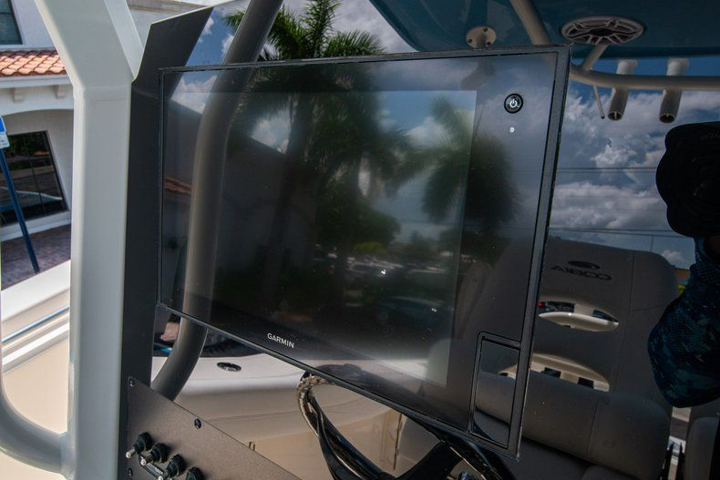 Thumbnail 24 for New 2020 Cobia 280 CC Center Console boat for sale in West Palm Beach, FL