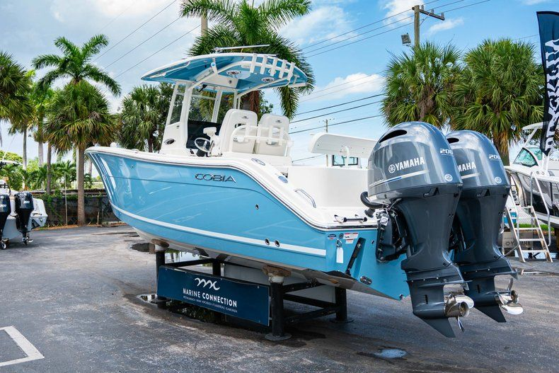 Thumbnail 5 for New 2020 Cobia 280 CC Center Console boat for sale in West Palm Beach, FL