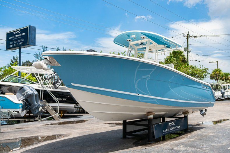 Thumbnail 3 for New 2020 Cobia 280 CC Center Console boat for sale in West Palm Beach, FL