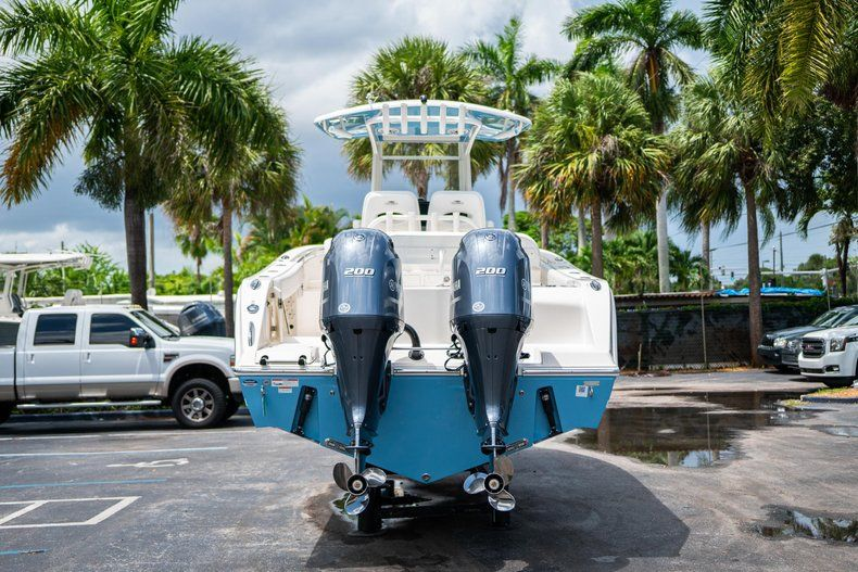 Thumbnail 6 for New 2020 Cobia 280 CC Center Console boat for sale in West Palm Beach, FL