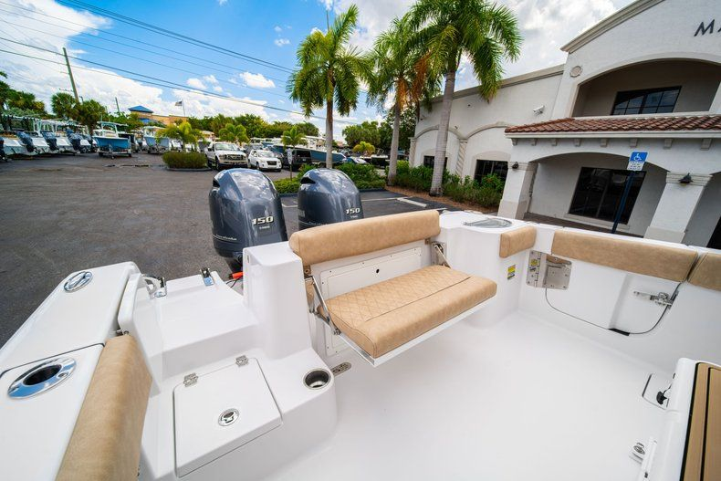Thumbnail 13 for New 2020 Sportsman Open 252 Center Console boat for sale in Miami, FL