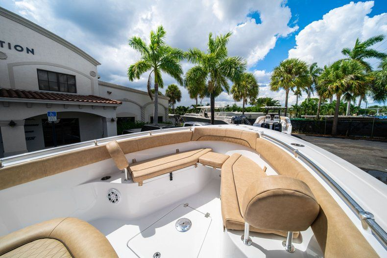 Thumbnail 37 for New 2020 Sportsman Open 252 Center Console boat for sale in Miami, FL