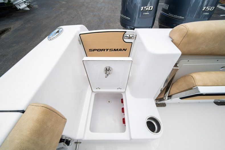 Thumbnail 15 for New 2020 Sportsman Open 252 Center Console boat for sale in Miami, FL