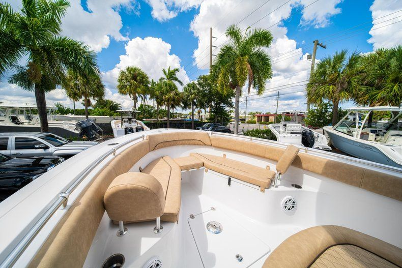 Thumbnail 40 for New 2020 Sportsman Open 252 Center Console boat for sale in Miami, FL