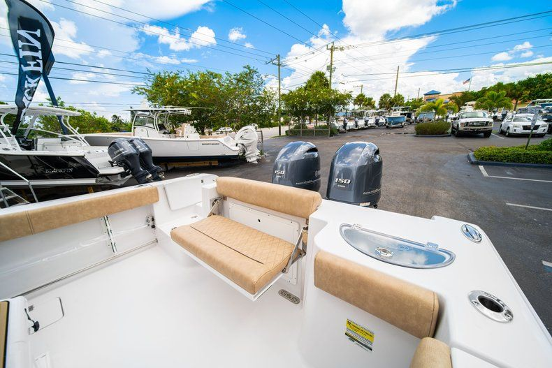 Thumbnail 10 for New 2020 Sportsman Open 252 Center Console boat for sale in Miami, FL