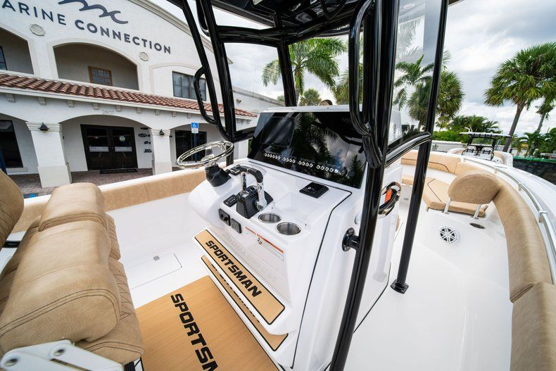 Thumbnail 24 for New 2020 Sportsman Open 252 Center Console boat for sale in Miami, FL