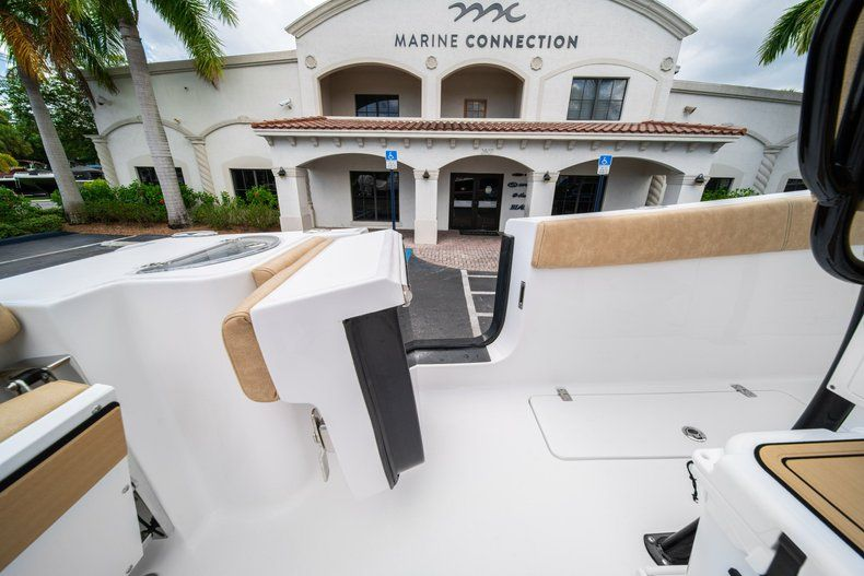 Thumbnail 22 for New 2020 Sportsman Open 252 Center Console boat for sale in Miami, FL
