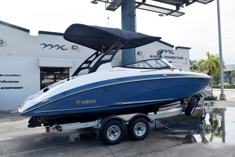 Image 5 for 2018 Yamaha 242 LIMITED S E-SERIES in Fort Lauderdale, FL