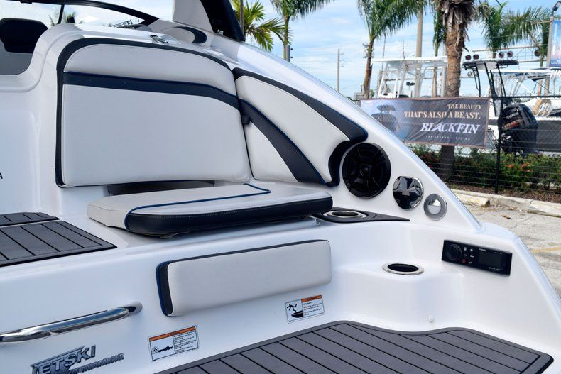 Image 8 for 2018 Yamaha 242 LIMITED S E-SERIES in Fort Lauderdale, FL