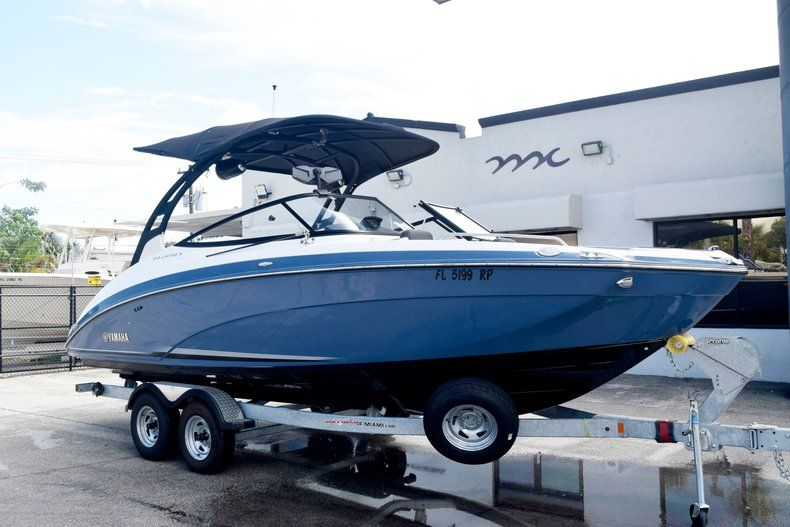 Image 3 for 2018 Yamaha 242 LIMITED S E-SERIES in Fort Lauderdale, FL
