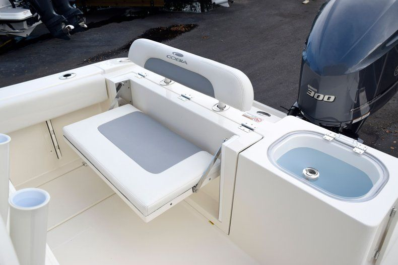 Thumbnail 13 for New 2020 Cobia 237 CC Center Console boat for sale in Fort Lauderdale, FL